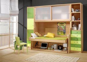 Dormitorios con cama y mesa de estudio modulables, armario y cajones.