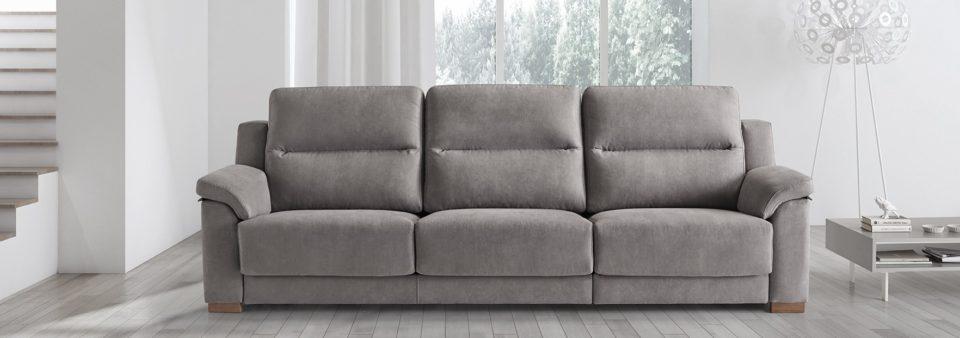 Combar muebles la casa de los tresillos en madrid for Sofas y tresillos